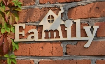 """Слово """"Family"""" с домиком (длина 50см)"""