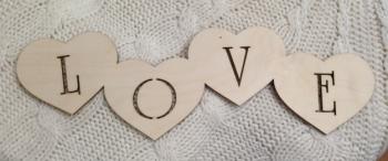 "Слово ""Love в сердечках"" (длина50см)"
