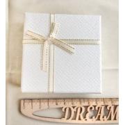Коробочка подарочная ювелирная для браслета 9х9х3см белая