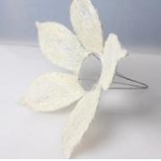 Каркас для букета (сизаль), белый цветок с острыми лепестками 15см