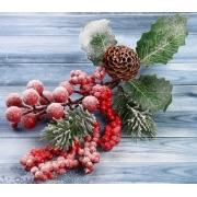 """Декоративный букет """"Зимние грезы"""" ягоды в инее, шишка, листья, хвоя"""