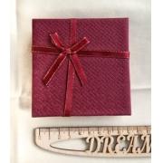 Коробочка подарочная ювелирная для браслета 9х9х3см бордовая