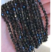 Чешское стекло на нитях биконусы (около 110 шт) чёрные непрозрачные