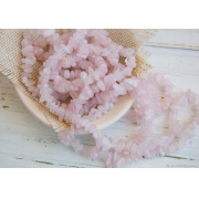 Бусины кварц розовый крошка (нить 85 см)