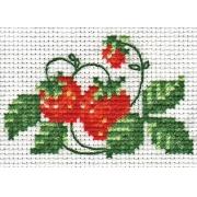 """Набор для вышивания """"Клубничка"""" 0-023 8,5х5.5см"""