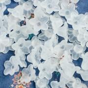 Цветы акриловые Люсит 10х5мм, цвет белый полупрозрачный (10шт.)