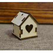 Домик с окном сердечком, 3х3х4,2 см